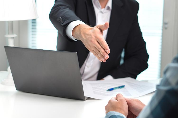 Vídeo: Como demitir um profissional da sua loja