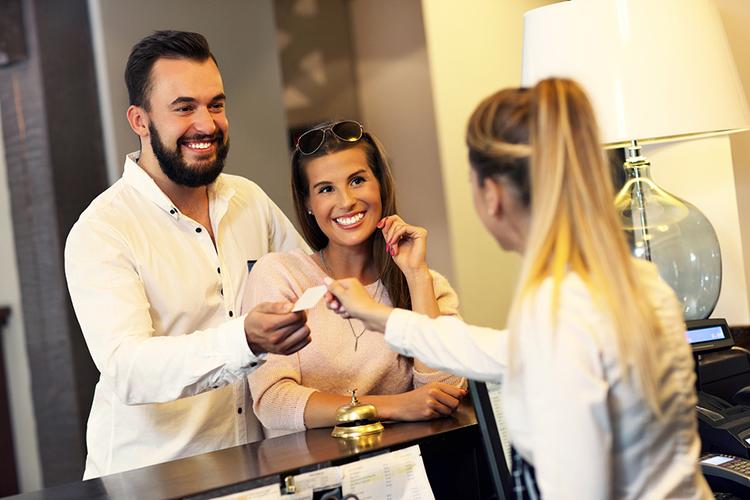 5 dicas para oferecer um atendimento impecável na hotelaria