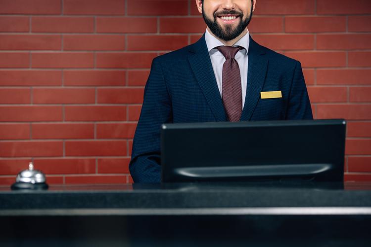 7 dicas para melhorar o atendimento na recepção do seu hotel ou pousada
