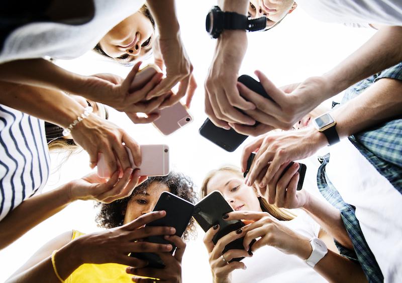O que é social commerce e como usar esse conceito a favor da sua loja virtual