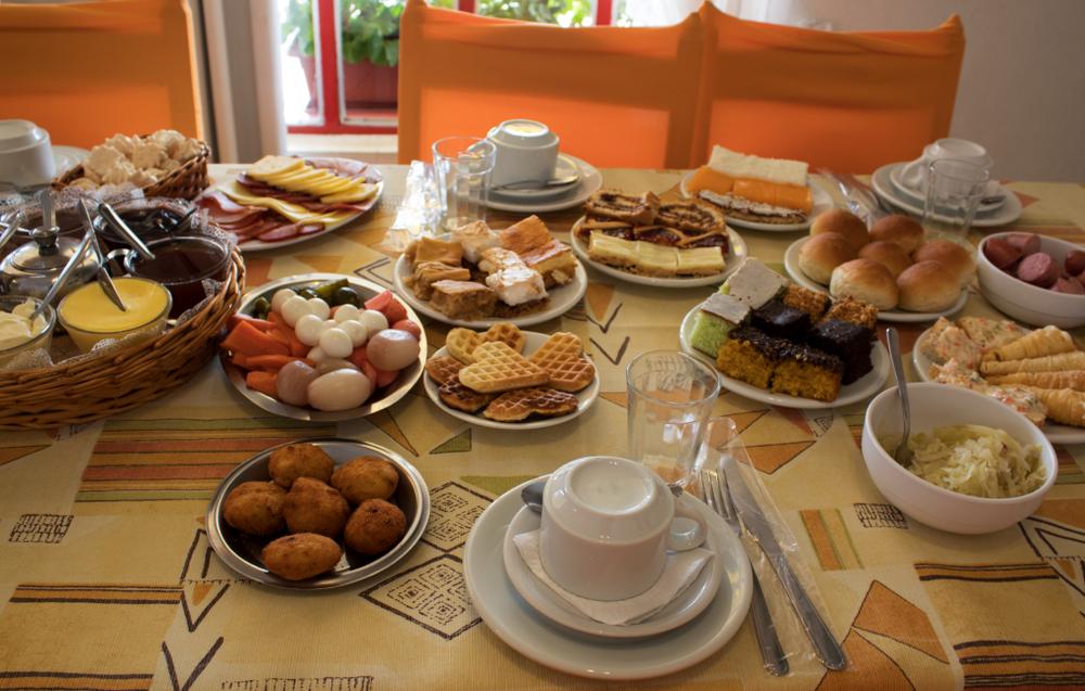3 dicas para preparar um café da manhã colonial no seu hotel